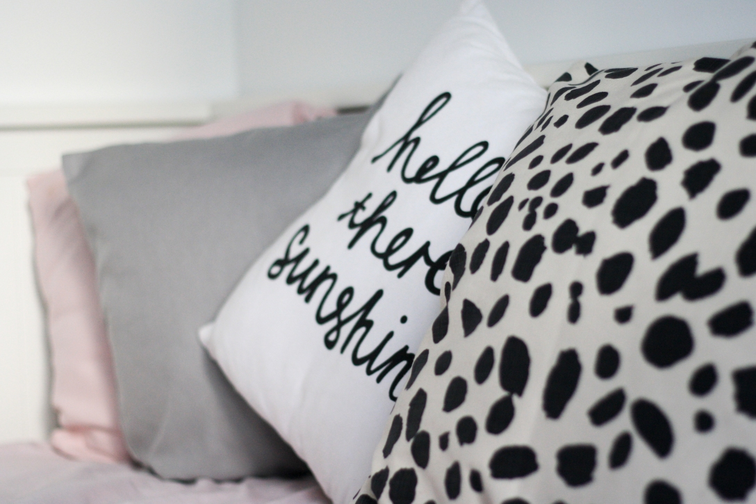 Black and white scatter pillows